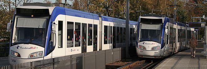De premier voert rechtstreeks overleg met de vier grote steden over de financiering van grote openbaar vervoer-projecten.