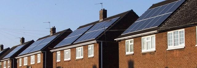 Nederland loopt achter op de Europese verplichtingen inzake energietransitie. Een actieve rol voor de consument en nieuwe wetgeving zijn broodnodig.