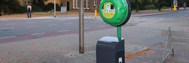 Eerste levensreddende laadpaal staat in Delft