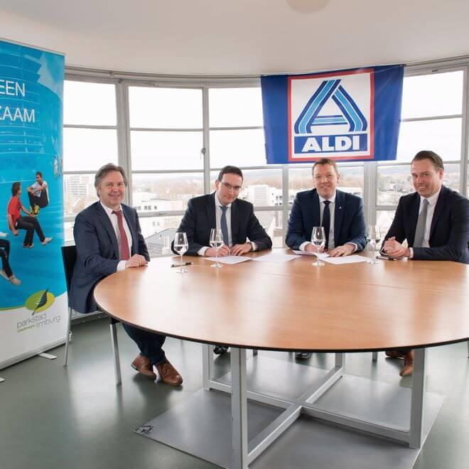 In een baanbrekende samenwerkingsdeal hebben ALDI en Stadsregio Parkstad Limburg afspraken gemaakt om nieuwe winkelleegstand in stadscentra te voorkomen.