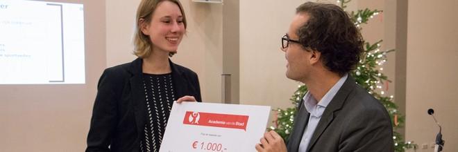 Een ontwerpwedstrijd voor een community waar jongeren prettig kunnen samenleven met vluchtelingen is gewonnen met een ontwerp voor een woonboot in Amsterdam