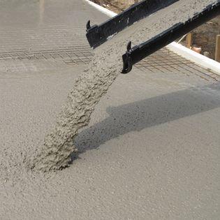Op 29 april ondertekenden wethouder Boaz Adank en negen bedrijven uit de grond-, wegen- en waterbouw een verdrag voor een duurzame betonketen.