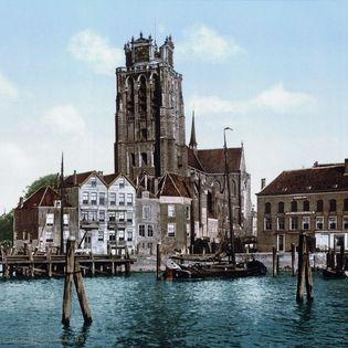 De gemeente Dordrecht gaat het grondwaterpeil in de fragiele bodem in realtime monitoren. Daarvoor ontwikkelt de een eigen, lokaal LoRa-netwerk. De proef vindt plaats in het Land van Valk en kan bij succes verder worden opgeschaald.