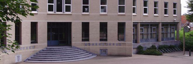 gemeentehuis Joure kleurloos