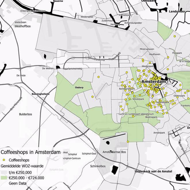 Bijna 9 op de 10 Amsterdamse koffieshops staan in goedkope buurten. Dat blijkt uit een inventarisatie van Stadszaken.nl en de Geofabriek