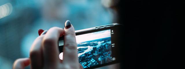 Typ de naam van een stad in je mobiele app-store en je krijgt al snel een grote hoeveelheid aan uiteenlopende toerisme-apps. Van praktisch tot leuk.