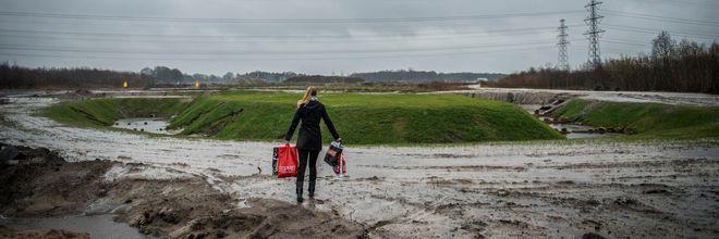 Gemeenten hebben in 2017 op hun grondexploitaties een positief saldo van meer dan € 1 miljard geboekt. Dat is voor het eerst.