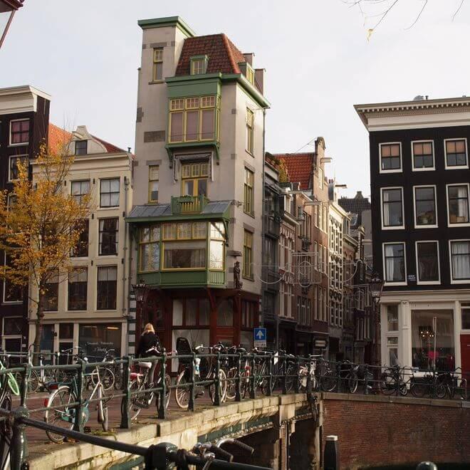 Iedere stad wil wel Negen Straatjes, in Amsterdam kunnen het er makkelijk Achttien worden.