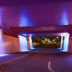 De fietstunnel nabij winkelcentrum Het Nieuwe Landgoed in Ede is voorzien van een interactieve lichtoplossing die het gevoel van veiligheid bevordert.