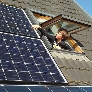 Het aantal energiezuinige woningen blijft achter ten opzichte van gemaakte afspraken. Dit blijkt uit onderzoek van Bouwend Nederland.