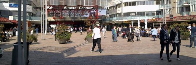 Almeerse winkels moeten worden getransformeerd tot woningen voor starters en empty-nesters. Een aanjaagteam gaat pandeigenaren helpen.