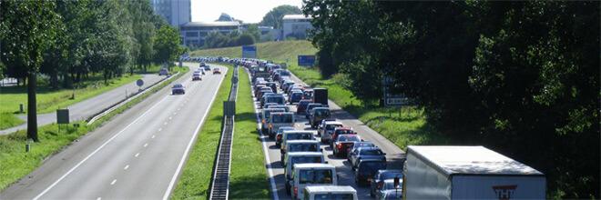 Nederland is het tweede land van Europa als het gaat om vertraging door files. Gemiddeld staan we zo'n 39 uur per jaar vast. Alleen België scoort hoger.