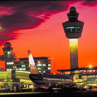 Vrijdag 29 april verscheen het Actieplan Schiphol, dat door de ministerraad is vastgesteld. Daarin zijn de groeiplannen van Schiphol geactualiseerd.