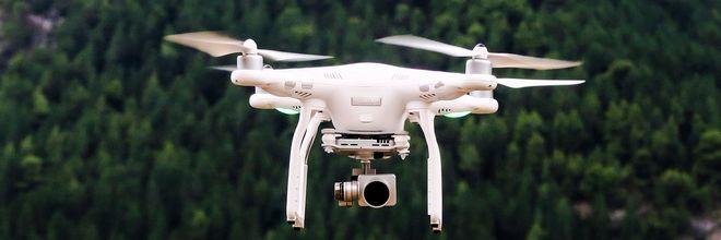Een website roept dronevliegers in Zeeland op in bezwaar te komen tegen het nieuw ingestelde droneverbod in een groot deel van de provincie
