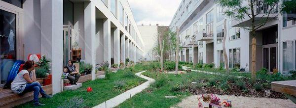 De complexiteit van duurzame binnenstedelijke gebiedsontwikkeling verhoudt zich slecht tot de gesloten Nederlandse aanbestedingscultuur, die moet veranderen