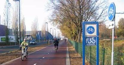 Schultz  gaat 7,7 miljoen euro investeren in het aanleggen van snelfietspaden in de regio Haaglanden. Dit moet de doorstroming tussen gemeenten verbeteren.