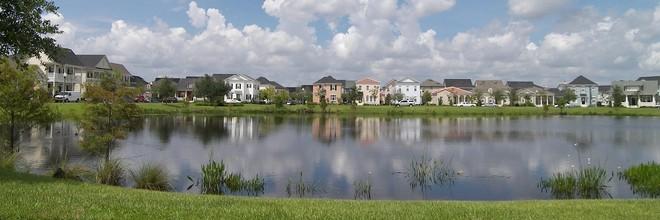 Het woningtekort is het grootst buiten de stad. Daarop volgt het woningtekort in grote steden zelf. Daarnaast is de animo om te verhuizen enorm, aldus NVB.