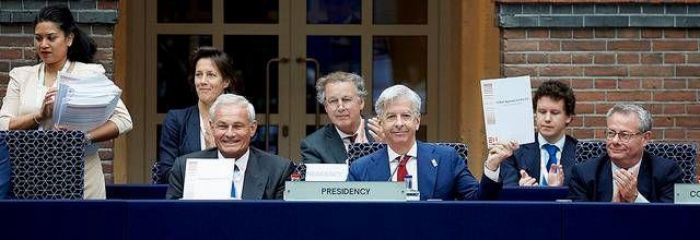 Steden krijgen meer invloed op het gebied van Europese regelgeving, toegang tot fondsen en kennisuitwisseling. Daartoe is het Pact van Amsterdam ondertekend