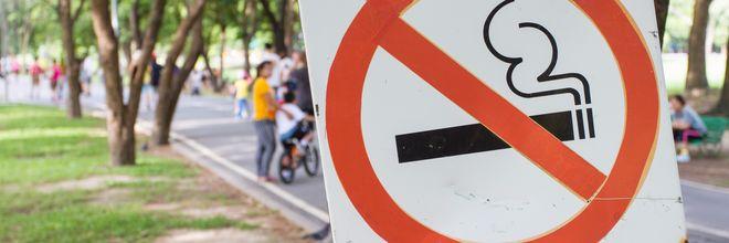 Veel Amsterdammers zijn voor het terugdringen van roken in de openbare ruimte. Dat blijkt uit onderzoek van OIS, het statistiekbureau van de gemeente.