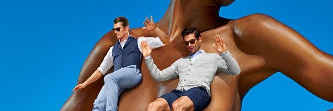 Nederland ontwaakte onlangs met de nieuwste campagne van  Suitsupply, bekend van de pikante billboards en de heftige reacties die ze oproepen. Nu ook weer.